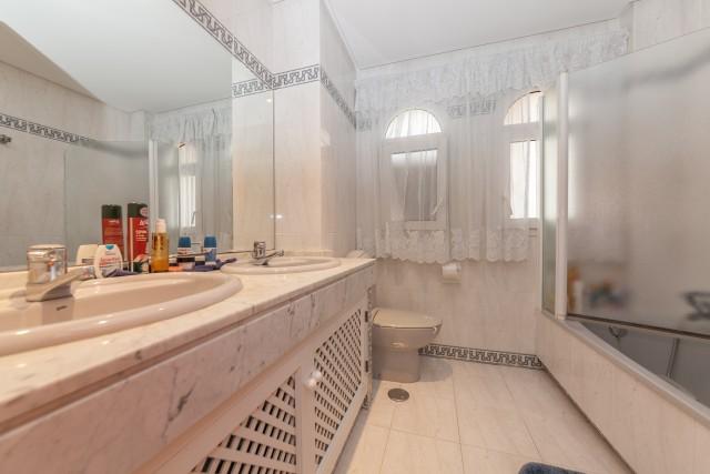 Master bathroom Luxury Villa Torremolinos Montemar Carihuela-9