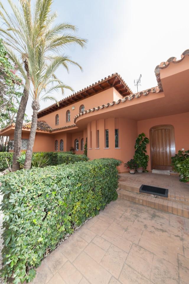 Main entrance Luxury Villa Torremolinos Montemar Carihuela-26