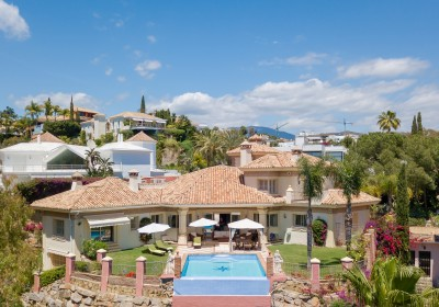 Luxury family villa for sale at La Quinta Golf, near Marbella