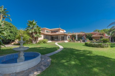 Large, character family villa in a substantial plot beachside at Casasola/Guadalmina