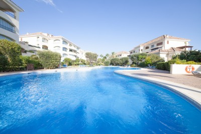 4 bedroom 4 bathroom apartment in first class beachside location at Bahia de Marbella