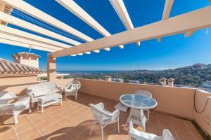 Penthouse for sale in La Mairena, Marbella, Málaga, Spain