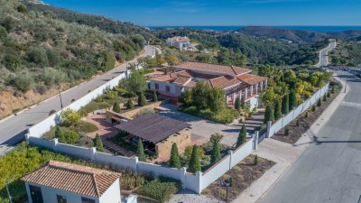 Monte Mayor Architect Designed Villa with beautiful grounds and amazing coastal views