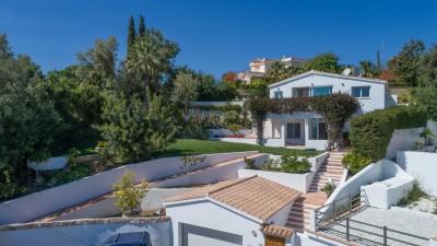 4 bedroom contemporary styled villa with sea views at El Rosario, Marbella