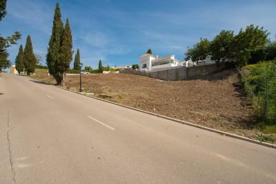 2,000 m2 building plot for sale at El Paraiso Alto on the New Golden Mile, Estepona