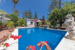 Villa for sale in Linda Vista Alta, Marbella, Málaga, Spain