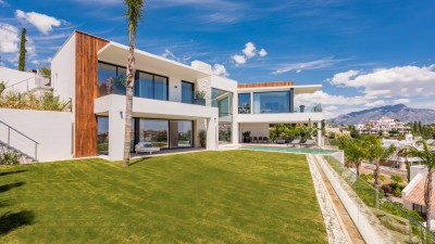 Newly built turn key villa for sale at La Alqueria between Marbella and Estepona