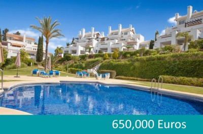 3 bedroom, 3 bathroom garden apartment for sale close to the beach at Los Monteros Palm Beach, Marbella