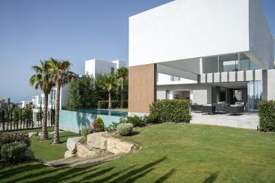 New build luxury villa for sale at Los Flamingos Golf close to Marbella