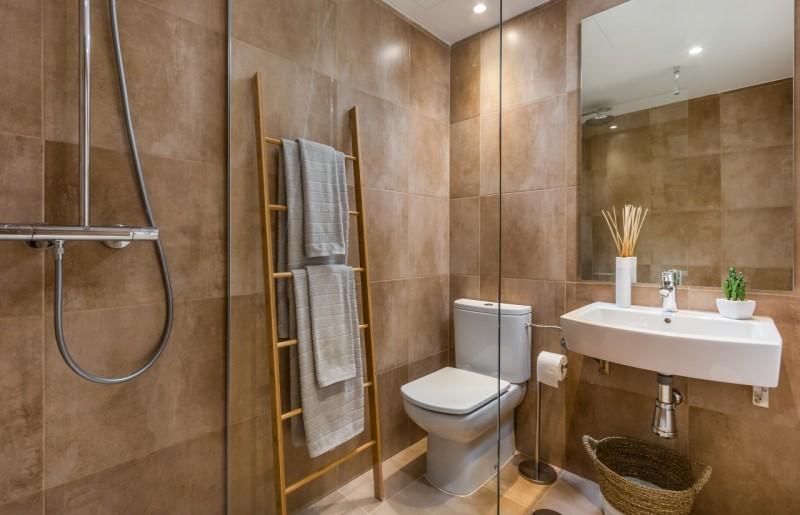 14 BATHROOM SUNSET GOLF DISCOUNT PROPERTY CENTER MARBELLA