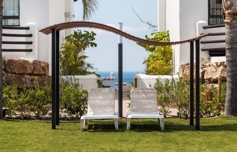 20 POOL DETAIL SUNSET GOLF DISCOUNT PROPERTY CENTER MARBELLA