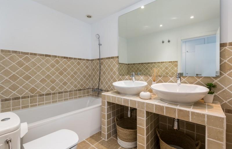 15 BATHROOM SUNSET GOLF DISCOUNT PROPERTY CENTER MARBELLA