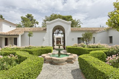 Luxury mansion for sale in Guadalmina Baja, Marbella