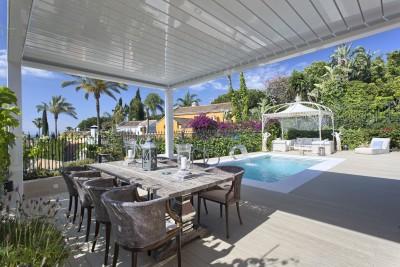 Villas for sale in Nagueles, Marbella - Classical 4 bedroom Villa