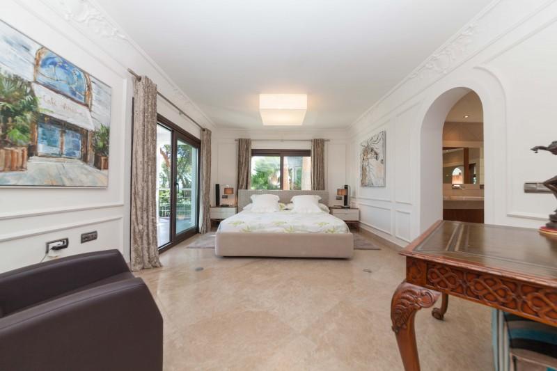 Nueva Andalucia Villa Marbella Costa del Sol-9