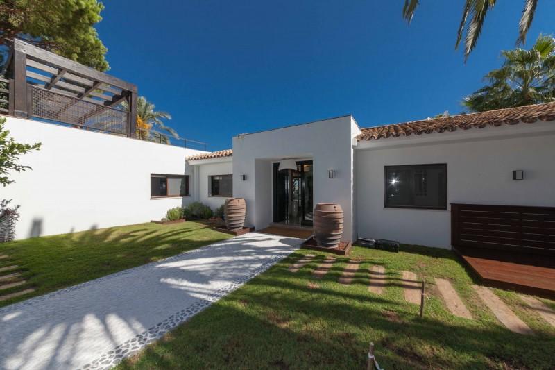 Nueva Andalucia Villa Marbella Costa del Sol-16