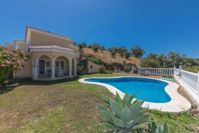 Cerros del Aguila Familj villa till salu med fantastisk utsikt.