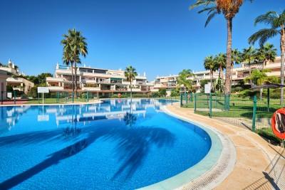 2 slaapkamer penthouse appartement te koop op loopafstand van Puerto Banus
