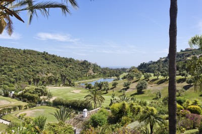 3 bedroom, 3 bathroom penthouse for sale at La Quinta Golf, near Marbella