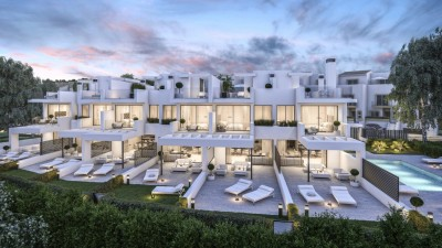 New development of Townhouses on the beach at Estepona
