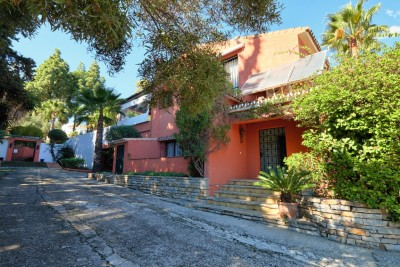 Investment property with great potential on the Golden Mile, Marbella