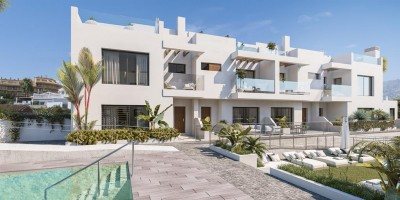 Boutique new development of townhouses close to the Castle and beach at Fuengirola
