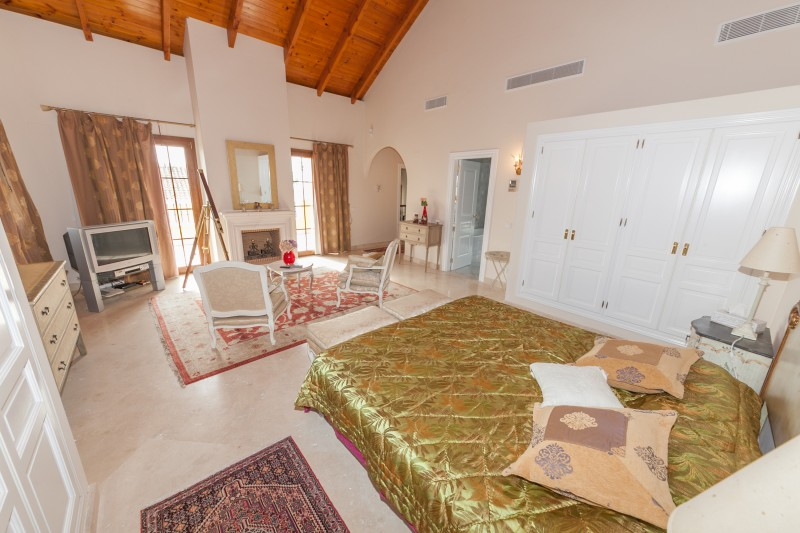 Master bedroom Atalaya-8