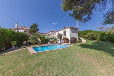 Beautiful 3 bedroom villa in semi rural location close to Estepona