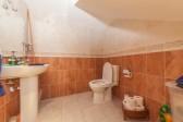 Guest toilet Townhouse Elviria-2