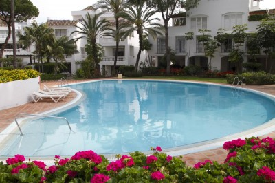 Spectacular apartment for rent 2 bedroom apartment in Elviria beach.