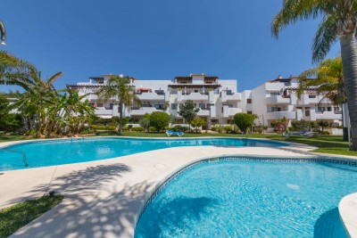 Penthouse with large terraces close to the beach at Costalita