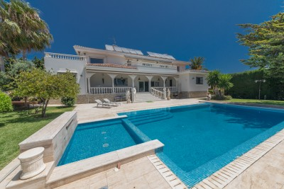 Fully reformed luxury 5 bedroom villa + guest house with sea views at Torrequebrada