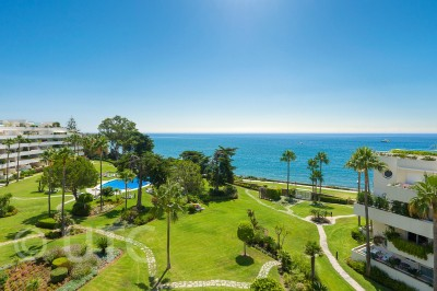 Stunning 3 bedroom penthouse on the beach at Los Granados Playa
