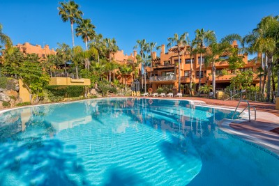 Luxury 3 bedroom apartments and penthouses close to Puerto Banus