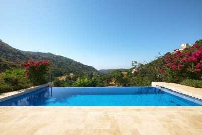 Architect designed contemporary villa with amazing views for sale in Monte Mayor Country Club