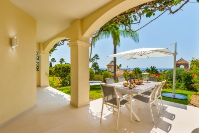 Fully refurbished luxury 3 bedroom townhouse with sea views at La Quinta Golf