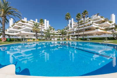 Panoramic sea views from prestigious ground floor apartment on Marbella's Golden Mile
