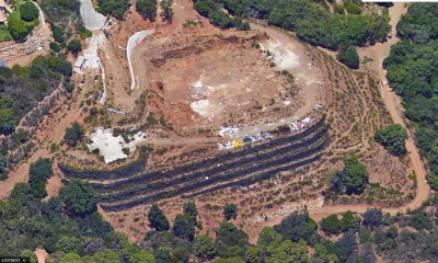 Groot perceel en project voor luxe villa met voltooide grondwerken te koop in La Zagaleta