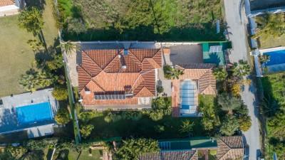 3 / 4 bedroom villa plus guesthouse for sale close to Guadalmina Golf, Marbella