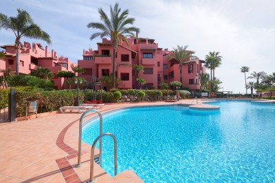 3 sovrum 3 badrum bottenvåning lägenhet på Menara Beach Estepona