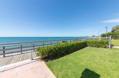 El Pirata, New Golden Mile, Estepona Moderniserat radhus, några steg från stranden