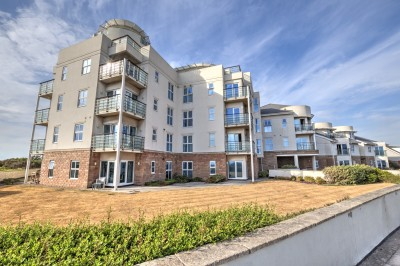 Burbo Point, Hall Road West, Blundellsands - A stunning modern apartment in a highly prestigious development, fabulous views over the beach and Mersey Estuary