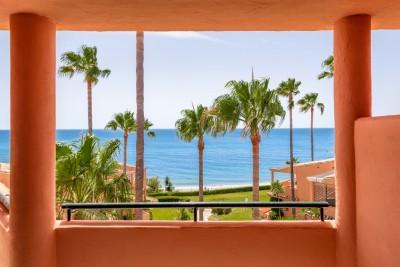 Impresionante ático de 3 dormitorios completamente reformado en venta en Bermuda Beach, Estepona