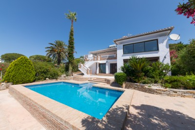 Refurbished, 5 bedroom 4 bathroom Villa with sea views at Casares Playa for sale