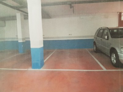 Parking and 12 storerooms in Urbanizacion Jardines de Don Carlos Elviria Marbella