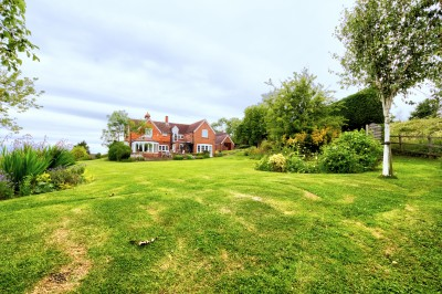 Royal Wootton Bassett, quality detached family house for sale, elevated position -  country views, 5 bedrooms, 3 bathrooms, ample parking, double garage.