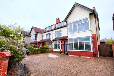 Eshe Road North, Blundellsands. Spacious, beautifully presented family semi detached house for sale, sought after location, 7 bedrooms, large garden.
