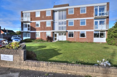 Fountain Court, The Serpentine North, Blundellsands - spacious first floor apartment close to the beach, off road parking, garage, no chain.