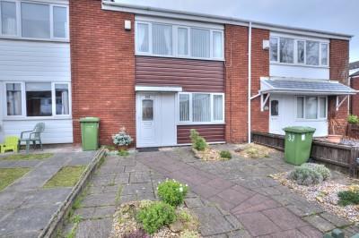 Dewlands Road, Seaforth, terraced home, quiet cul-de-sac location, 3 bedrooms, modern kitchen, no chain.