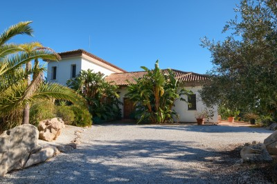 Los Reales, amazing villa/Finca for sale in 50,000 m2 plot yet only 10 minutes from Estepona.